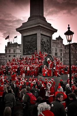 500 Santas on Nelson's Column