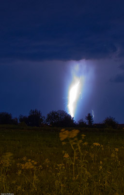 Massive bolt lightning