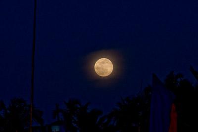 Blue Moon December 2009