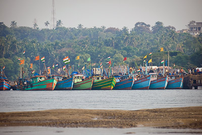 Morjim Boats Lined up